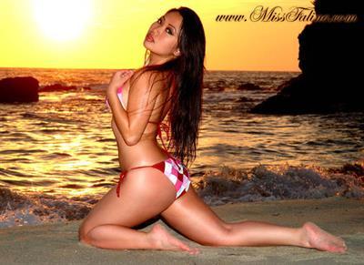 Faline Song in a bikini - ass