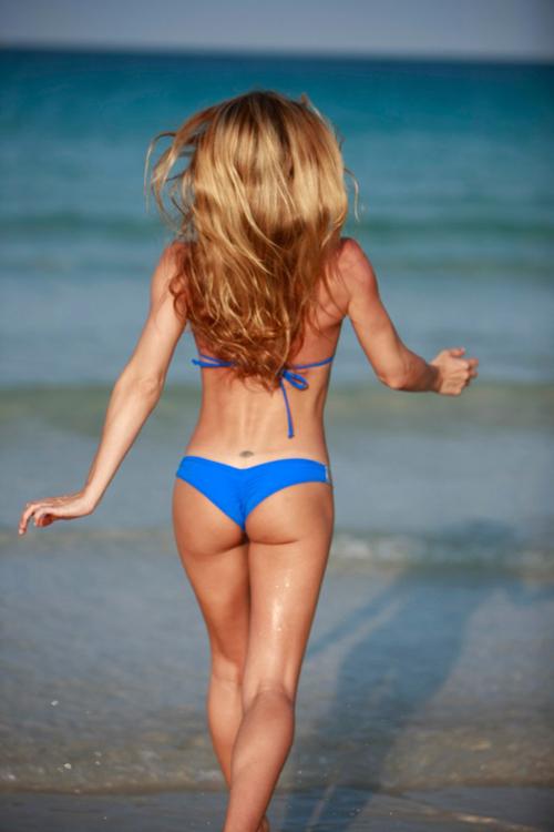 Rebecca Cardon in a bikini - ass