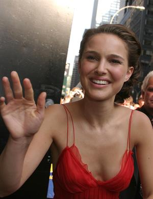 Natalie Portman –  Late Show  arrival in NY 7/29/04